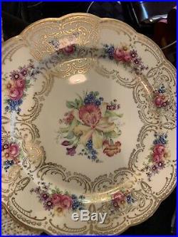 12 Royal Bayreuth China Bavaria Dresden-style dinner plates gold