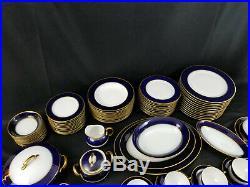 94 PC Hutschenreuther Selb Royal Bavarian COBALT BLUE GOLD GUILD SERVICE FOR 12