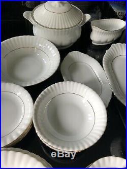 CHODZIEZ Gold Rimmed Porcelain 46 Piece Dinner Set For 6 Excellent