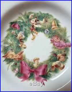 DISNEY China Dinnerware Chistmas Wreath Gold Rimmed Dinner Plates Bowls Set of 6