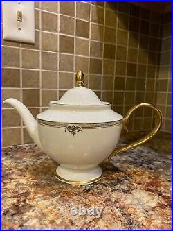 Lenox Republic Teapot 40 Oz/1.2 L Brand New (Dinner Plate Bonus New)