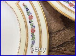 Spaulding Chicago England Porcelain 12 Christmas dinner Plates 10.25 gold rim